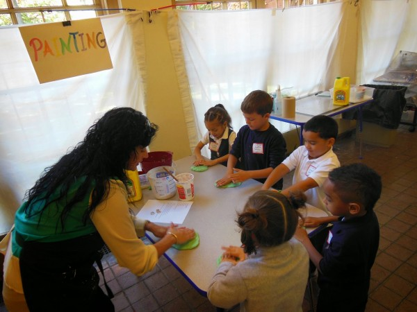 A Visit to the Children's Art Centre - Un Paseo al Centro de Arte